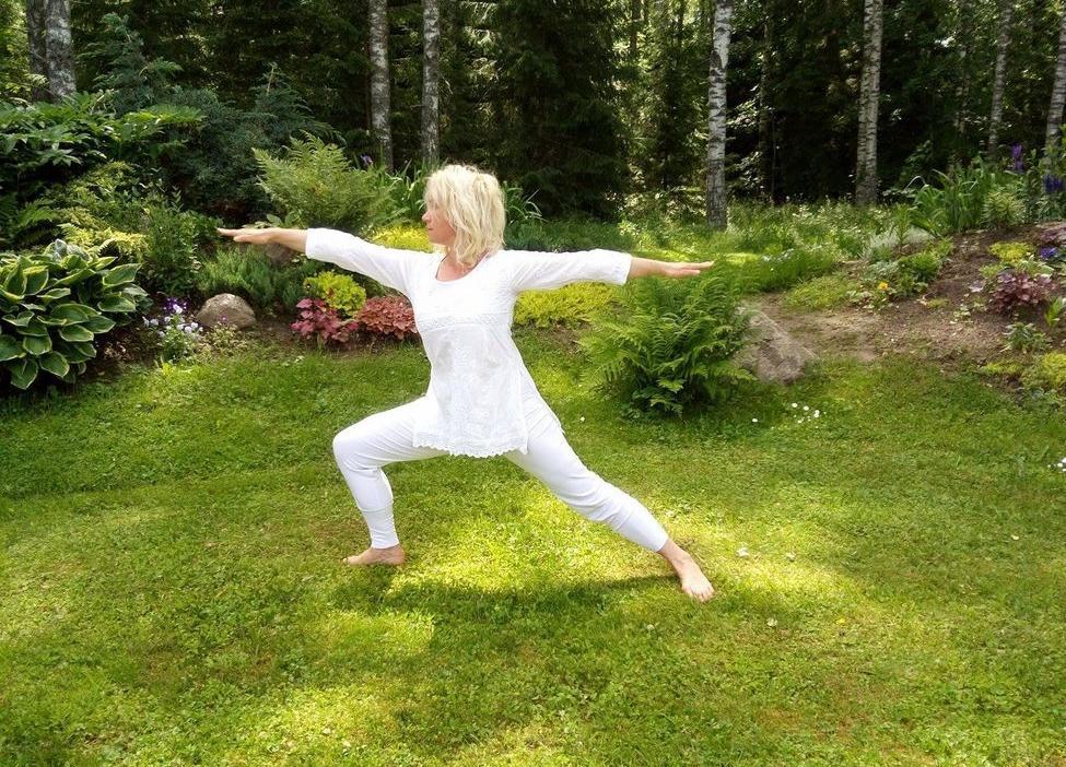 Teraapiline kursus Ole enda tervendaja läbi joogalike praktikate - Kirna Mõis