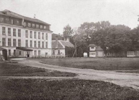 Pärastlõuna vanade piltidega. Kärdla kalevivabrik - Hiiumaa Muuseumi Pikk Maja (Vabrikuväljak 8