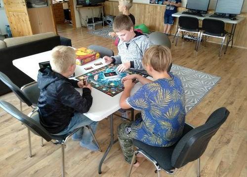 Lauamängusquad - Saku Valla Noortekeskus