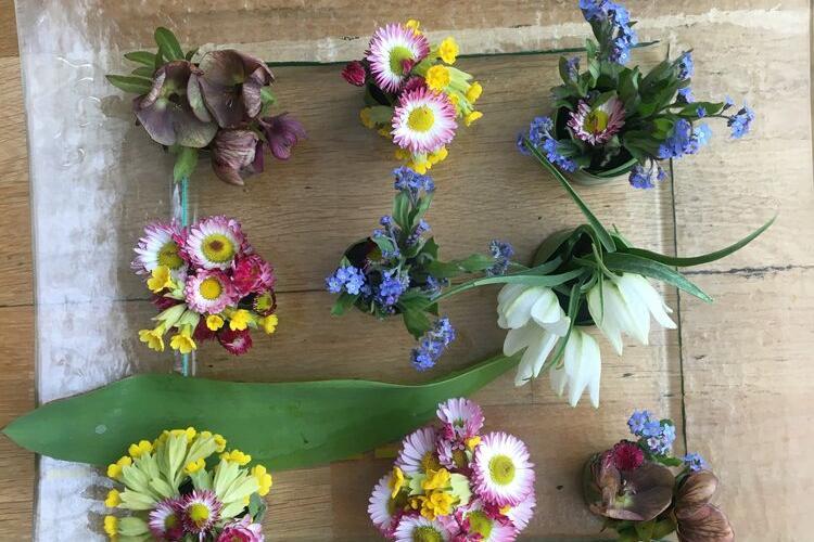 Stressi leevendav lilleseadekursus: dekoratsioon - Muraste koolimaja