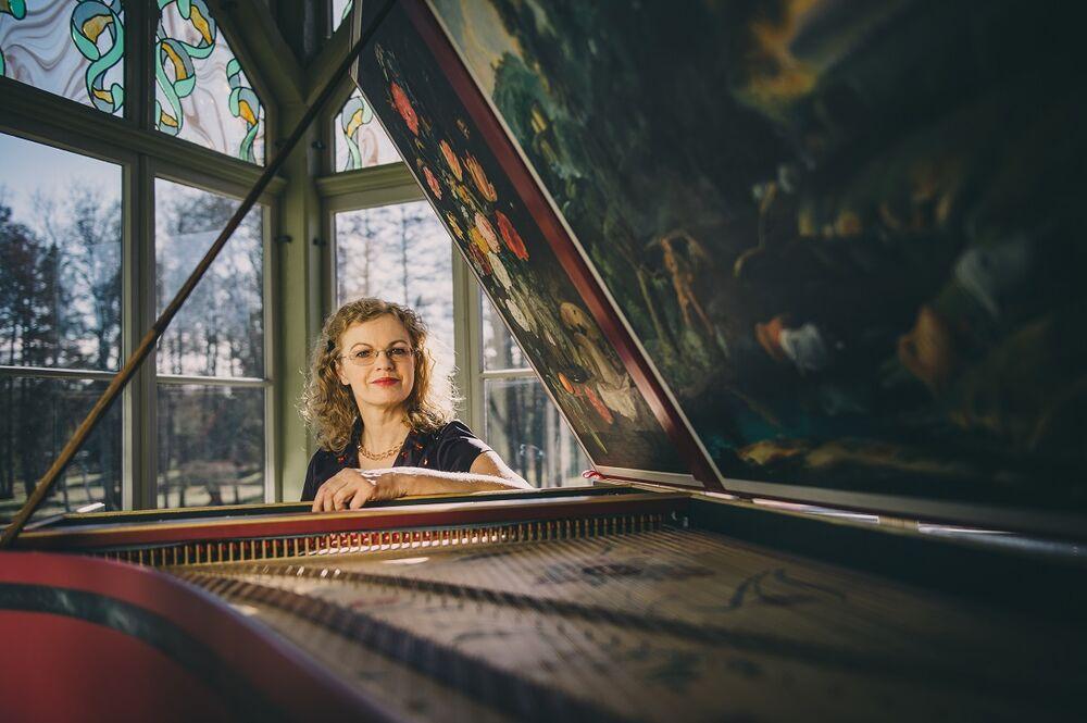 """Kammermuusika kontserdisari: Imbi Tarum """"Itaalia ja Prantsusmaa muusikaline duell"""" - Narva linnus"""